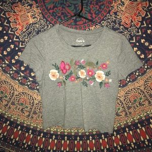 Aeropostale: Flower Embroidered Crop Tee